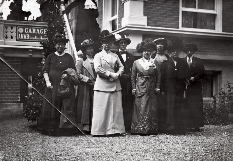 Bijeenkomst vrouwenkiesrecht Apeldoorn 1913